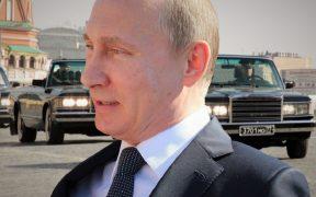 Trump Treads Carefully Ahead of Helsinki Talks