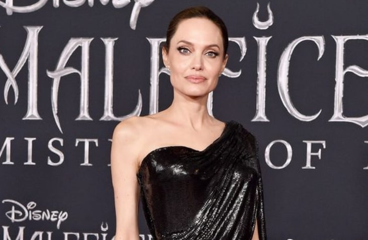 See what Angelina Jolie wore to the Maleficent premiere