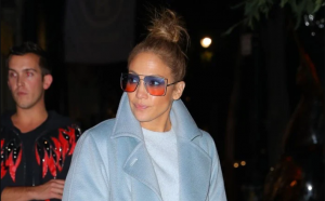 Jennifer Lopez shows us the best way to rock work boots