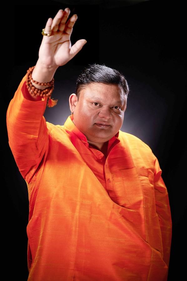 Guruji Shrii Arnav is the founder of Gemstoneuniverse